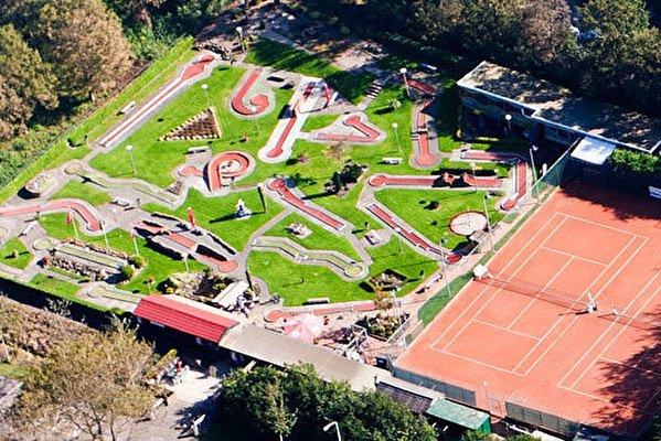 Tennis & Midgetgolf